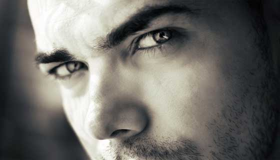男の濃い眉毛はお手入れ次第でプチ整形くらい印象が変わる