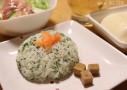 ジェノベーゼみたいなニンジン葉ソースで和食にも合う簡単混ぜご飯