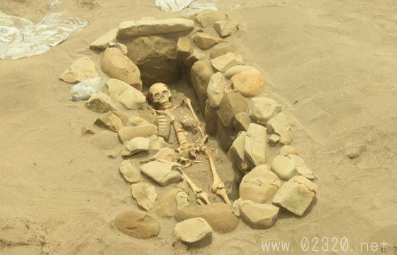 鎌倉市で初めて出土した石棺墓の遺跡発掘現場を見てきたよ!