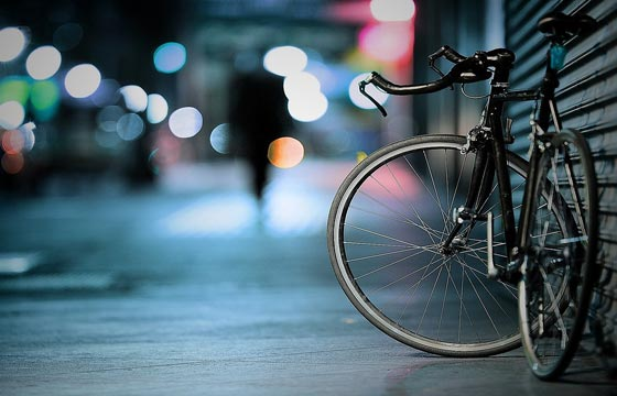 盗まれた1万円のロードバイク、女子高生が使った時価千円の下着