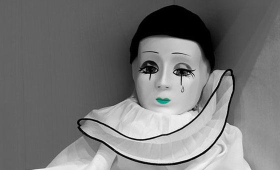 身内の葬儀で涙も見せない薄情者